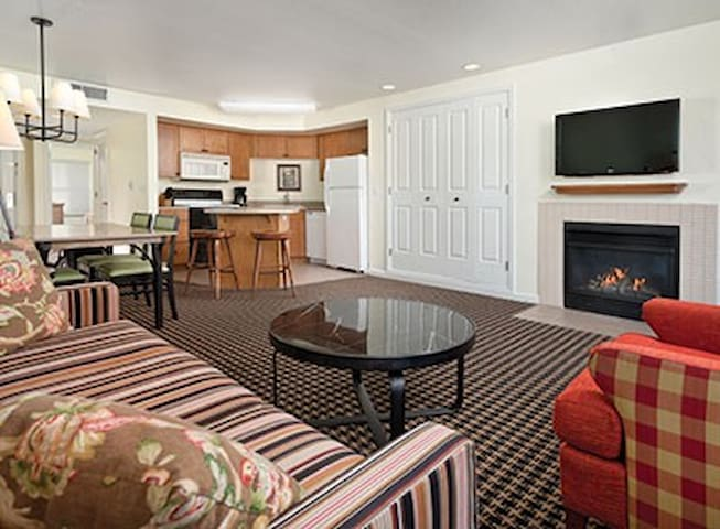 Angels CampLg Condo 1.2&3bdrm FireplaceGymBBQ - Angels Camp - Condominio