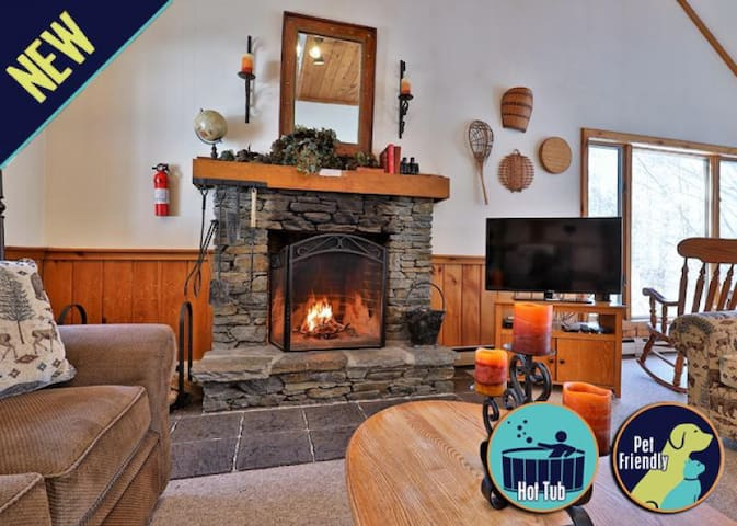 3 level private home with indoor hot tub 10 minutes from the ski slopes