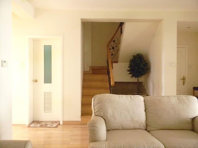 复式1楼楼梯