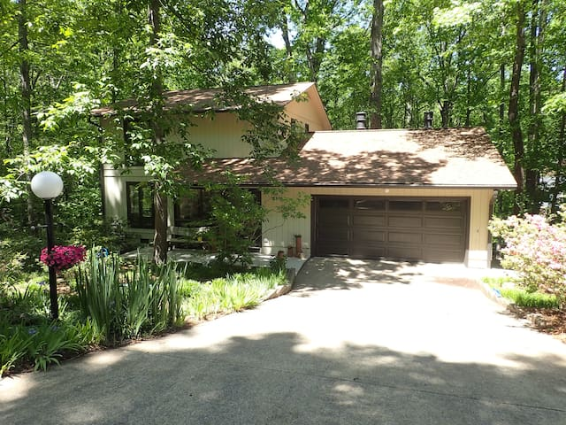 Near downtown, close to stadium, quiet - Clemson - House