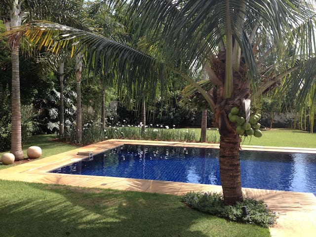 Beautiful home in a lovely condomin - Campinas - Rumah