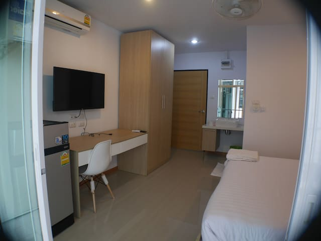 Studio with balcony - Patong - Apartment
