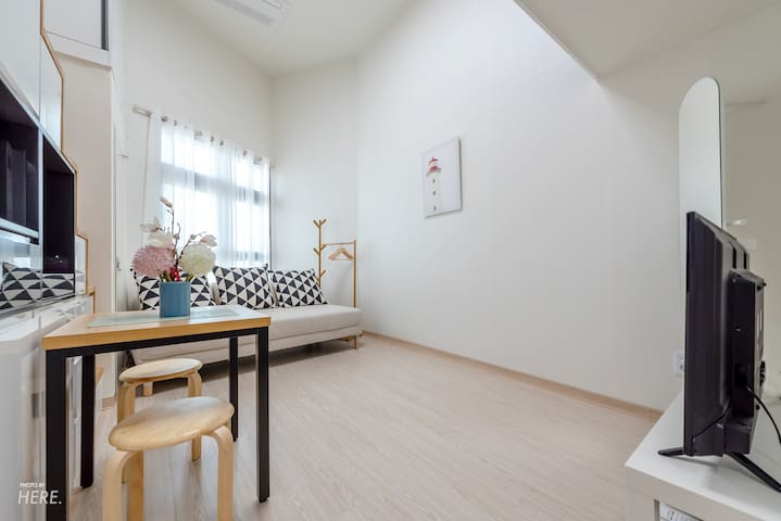 [New Open]SunnyHouse in Hongdae #2, Loft Style