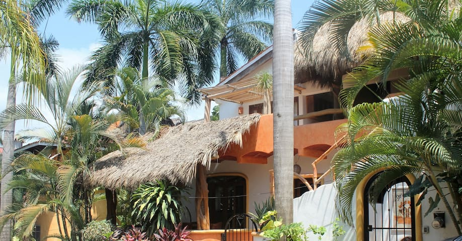 2BR/1BA central loc. 1 blk. from beach, upper lvl. - Sayulita - Pis
