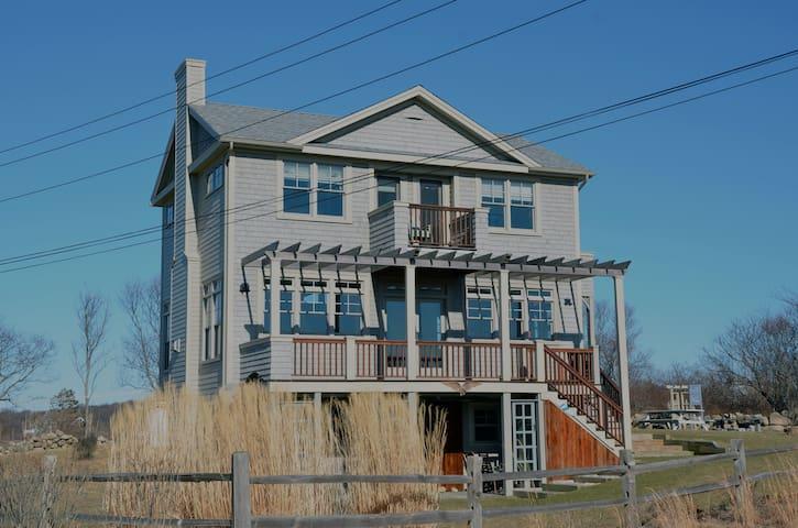 Three Sisters Cottage BI