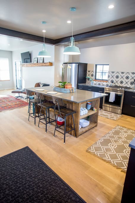 people around kitchen daisymine guesthouse houses for rent in crested butte colorado