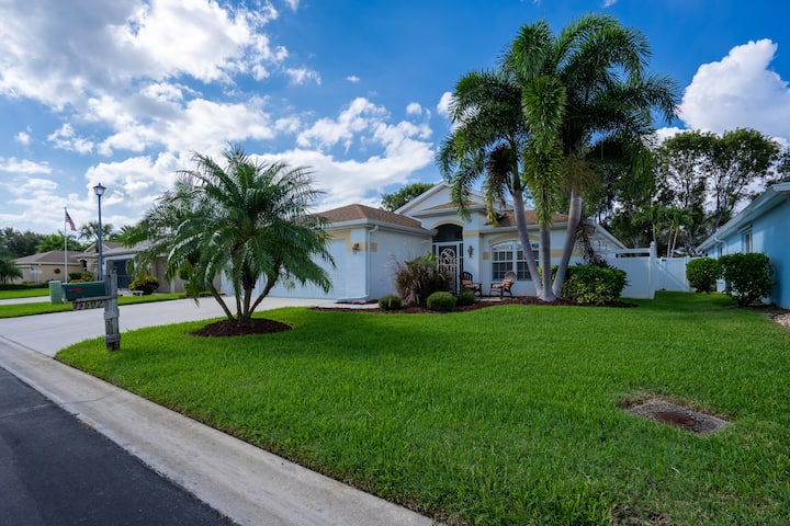 A Heated Pool Home 5 Miles from Fort Myers Beach!