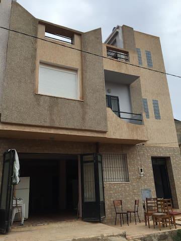 Appartement F3 au rez de chaussée - Marsa ben mhidi - Apartment