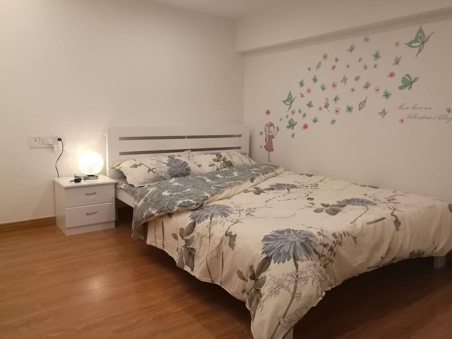 温馨雅致的次卧室