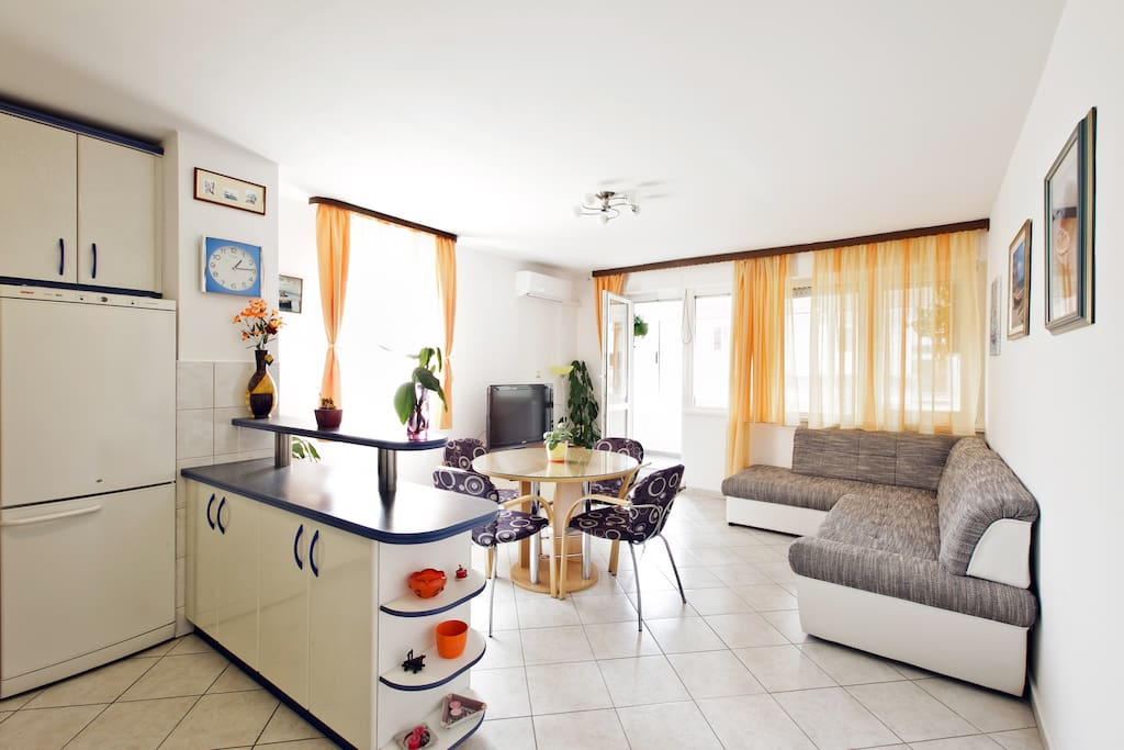 Spacious two bedroom apartment is located on the 2nd floor of residential building in Solin, a suburb of Split (5 kilometers) on the way to Airport (20 kilometres) and Trogir (30 kilometers).