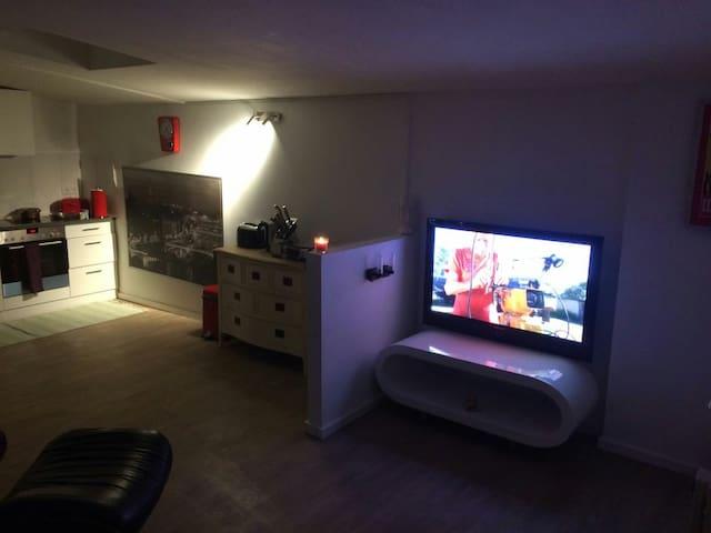 Gemütliche 1-Zimmer Wohnung - Amburgo - Appartamento