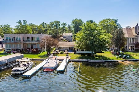 Sylvan/Otter Lakefront Ranch with boat dock!!