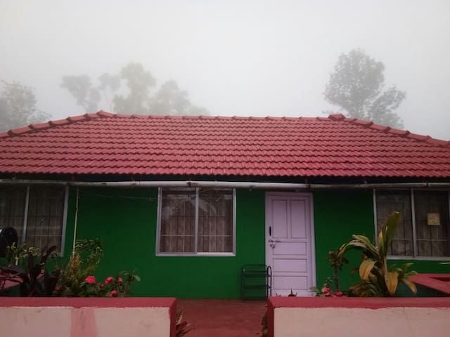 Bee Hive Home Stay - Madikeri - Haus
