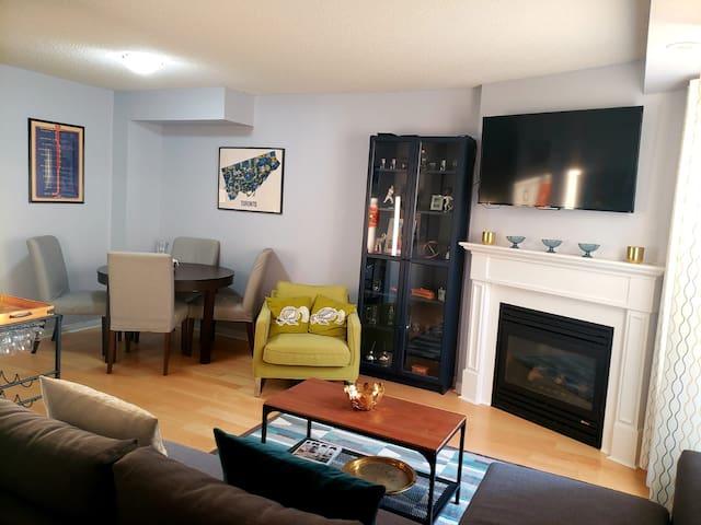 Cozy 1BR Suite in Queen West & Liberty Village