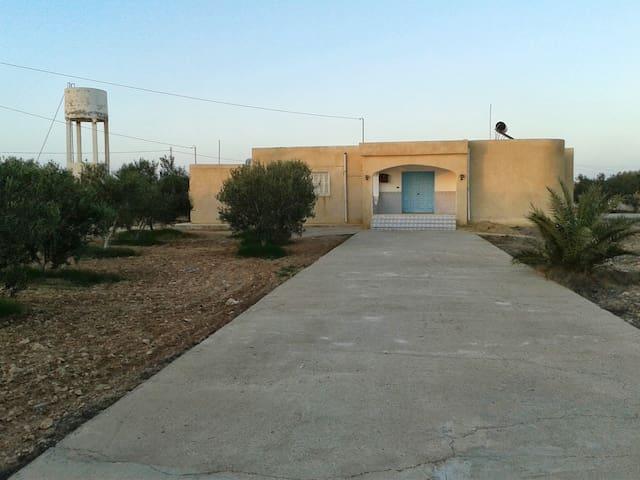 Menzel Taher - Robbana - Villa