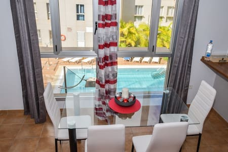 Apartament near the beach with pool and Wifi (I)