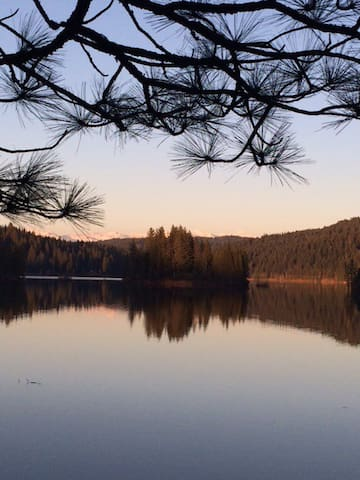 Peaceful, serene mountain home! - Pollock Pines - Dom