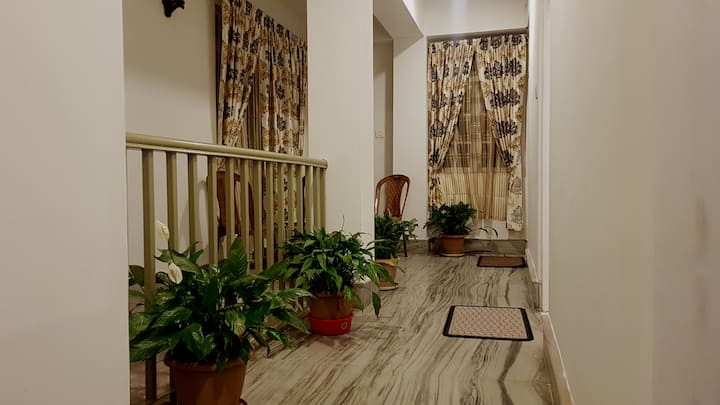 The Aura- a homely stay (serviced apartment I)
