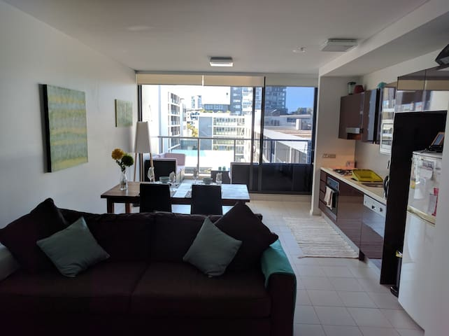 Modern 1 bed 15 mins from the city. - Zetland