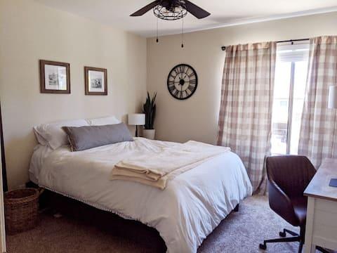 Cozy, Clean Bed and Bath in 2 Bedroom Condo