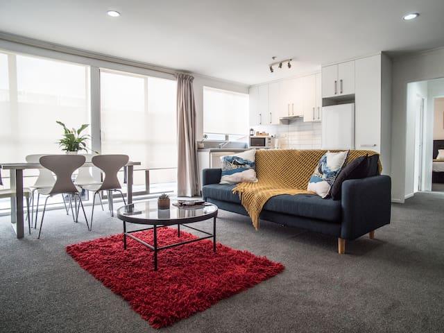 2 Bedroom Apartment & Breakfast Basket!