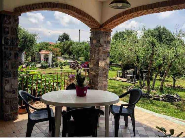 ''Villa Fiorita '' -Vacanze Relax  Policastro (SA)