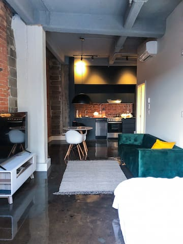 Luxury loft with rooftop in the heart of Old-Port