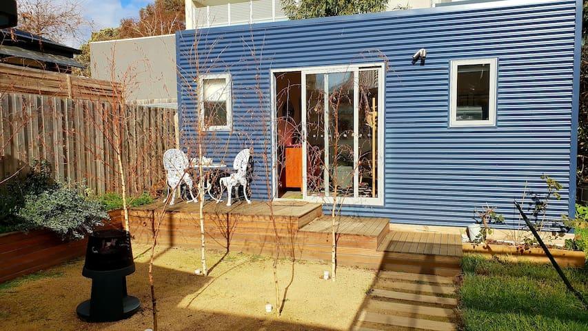 Chic Melbourne Garden Studio