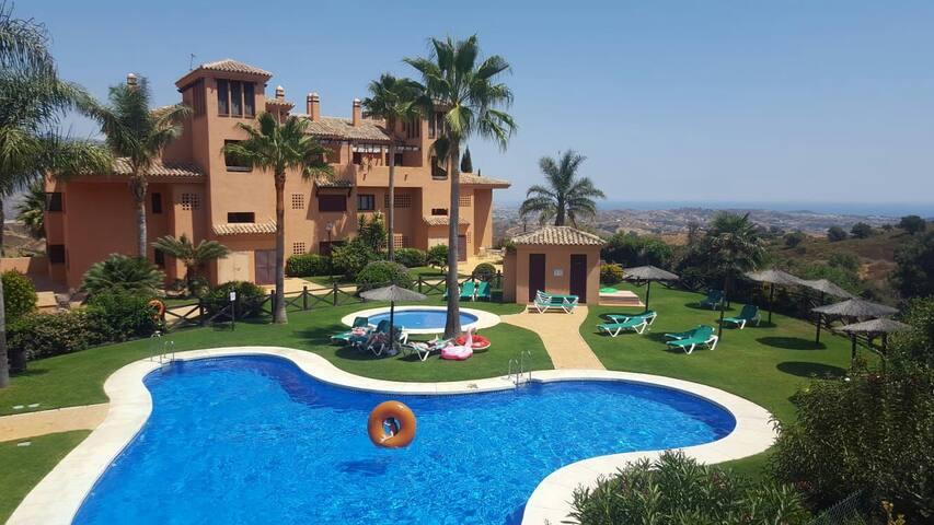 Proche Marbella  Appartement   GOLF,SPA Gratuit