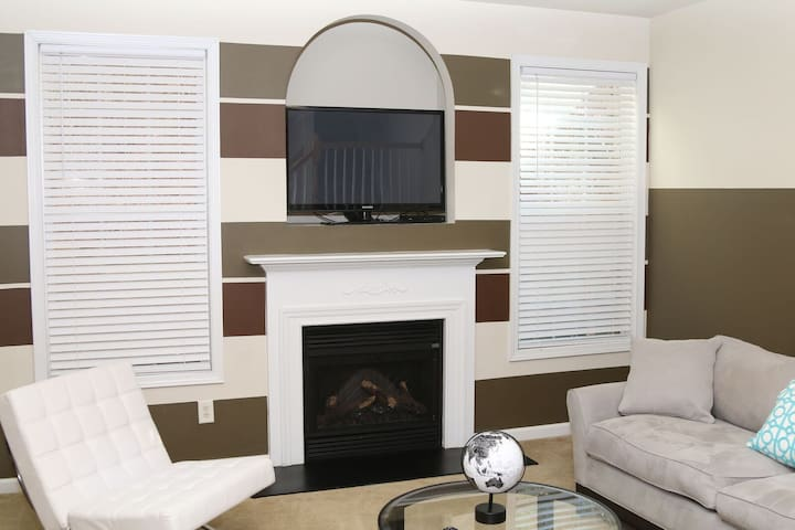 Beautiful Spacious Townhouse Just For you!!