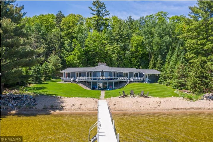 Large Private Beach Home on Beautiful Gull Lake