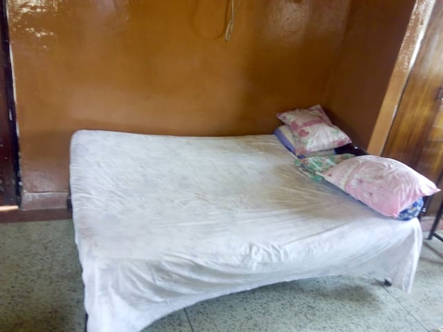 Cheap Comfortable Holiday Room in Old Town - Mombasa - Casa