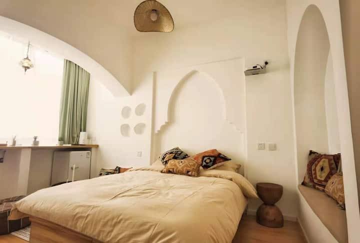 【邂逅-晚安.room10  】   纯白摩洛哥一室, 牡丹广场/广州市场/万达广场,近地铁口