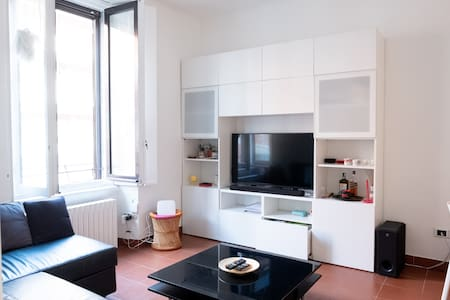 Bright and comfortable flat in the heart of Milan