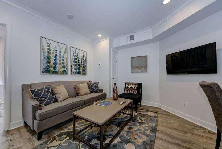 DuPont Circle/Kalorama Luxury Apartment Suite 6