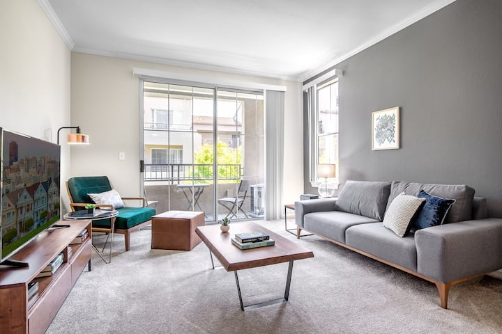 Cozy San Jose - The Alameda 1BR w/ Pool near Whole Foods, by Blueground