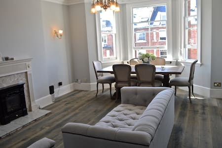 Homely apartment in a traditional Victorian house