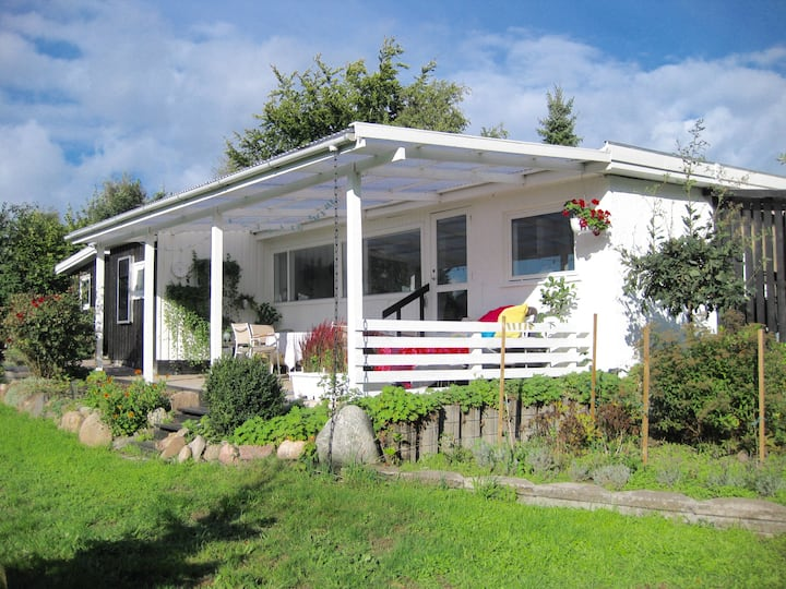 Peaceful holiday home - Enjoy the lovely Terrace