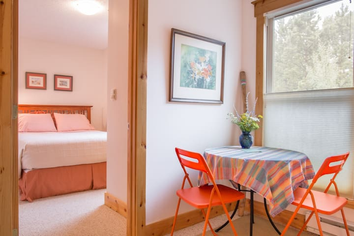 Beautiful Attached Guest House - Estes Park