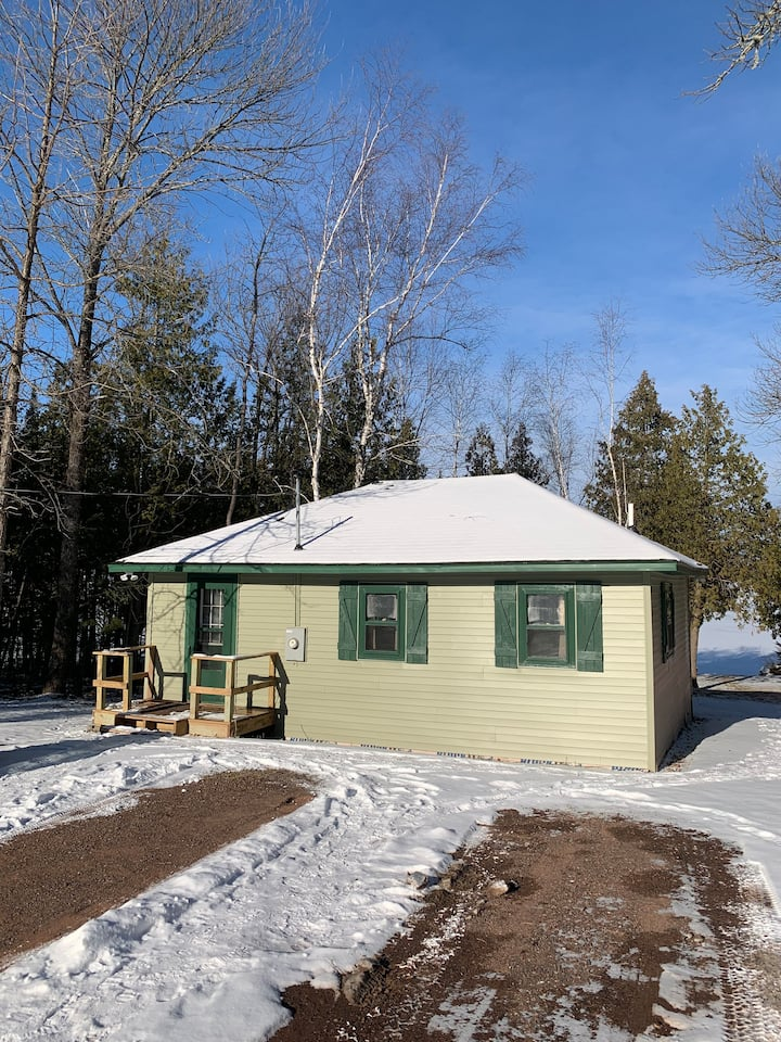 Chickadee Cabin/house  on Lake Gogebic