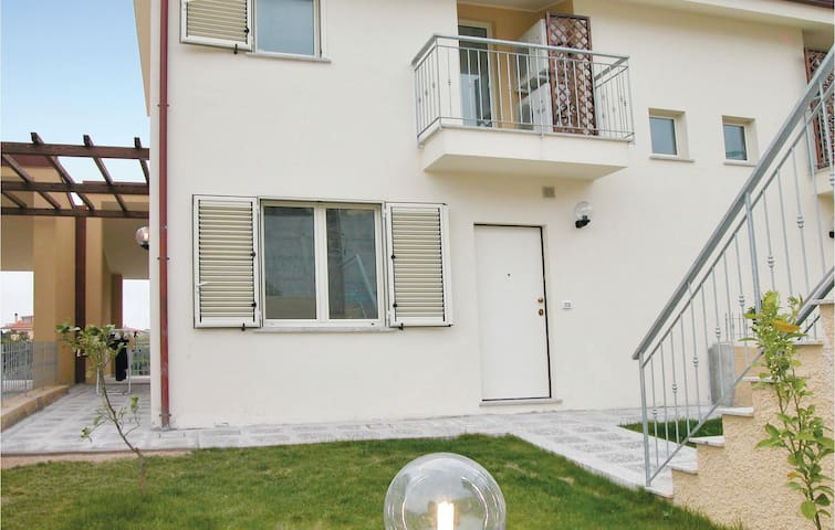 Terraced house with 3 bedrooms on 100m² in Badolato Marina -CZ-
