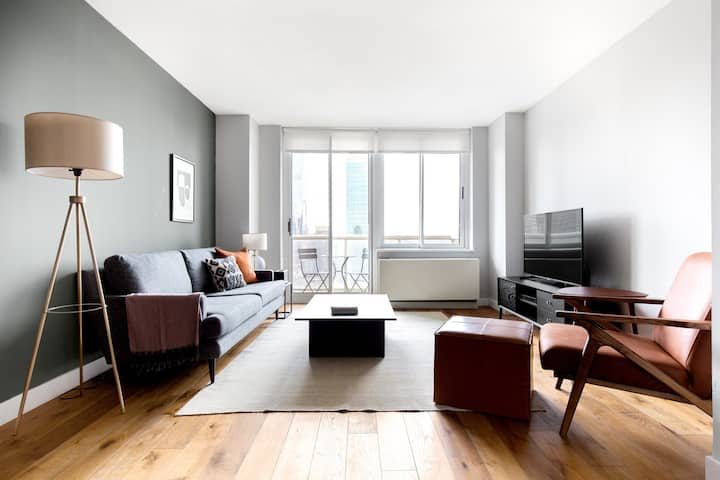 Cozy Hell's Kitchen 1BR w/ Pool, Gym, Doorman, nr. Subway, by Blueground