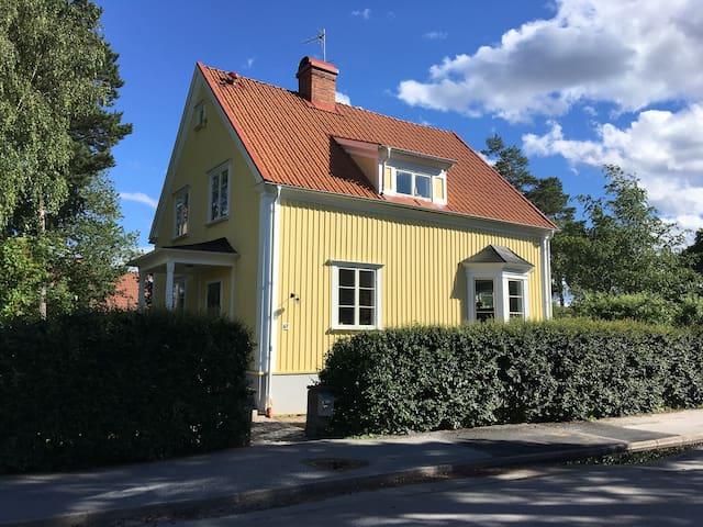 Perfectly located villa near beach
