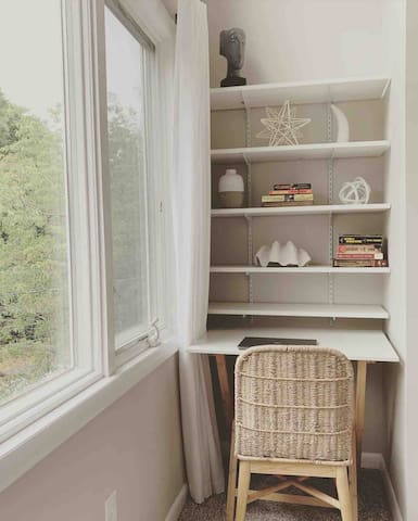 Small nook in the queen bedroom for a nice workspace