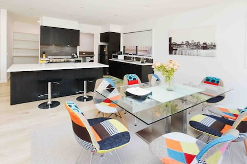 Modern 4BR townhouse best for family and couples