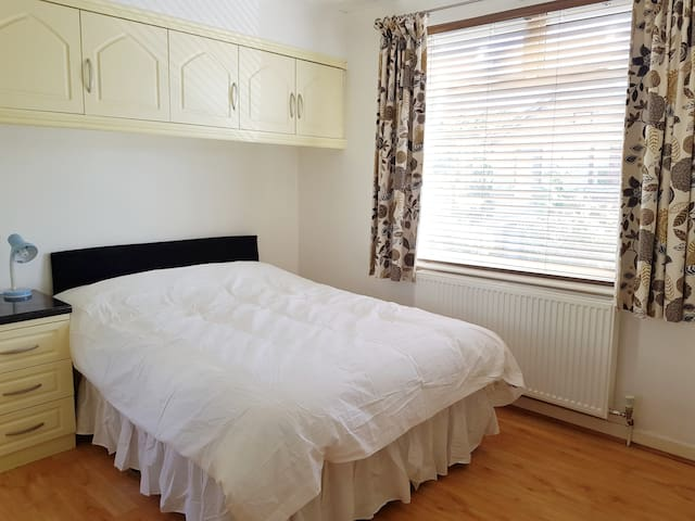Lovely ensuite double room near Cambridge