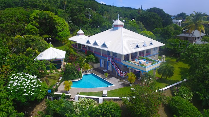 SeaBreeze is a spacious seaside family villa.