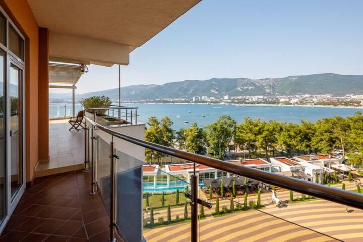 Элитные апартаменты с видом на море