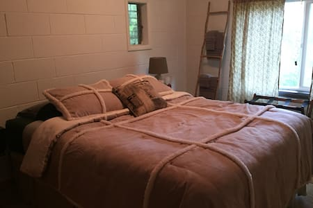 Z's Place, Private, a Mile to Town - Port Orford - Appartamento