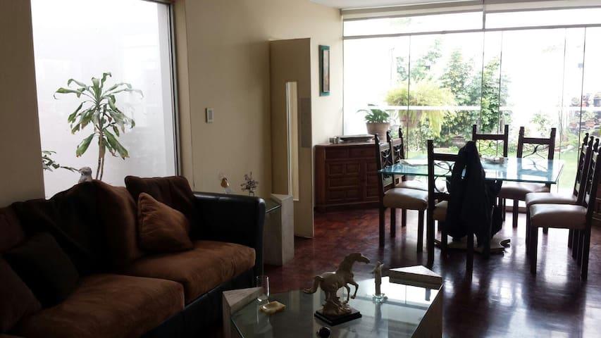 casa frente a parque zona tranquila - Lima - Chalet